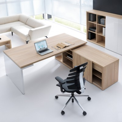 MDD MITO Executive Desk With Panel End by Simone Bernocchi