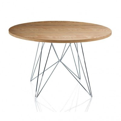 Magis XZ3 Round Table with American Walnut Top